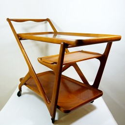 Wooden midcentury tea trolley designed by Cesare Lacca for Cassina