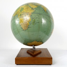Philips' Challenge Globe on Mahogany Stand with Original Philips' Record Atlas