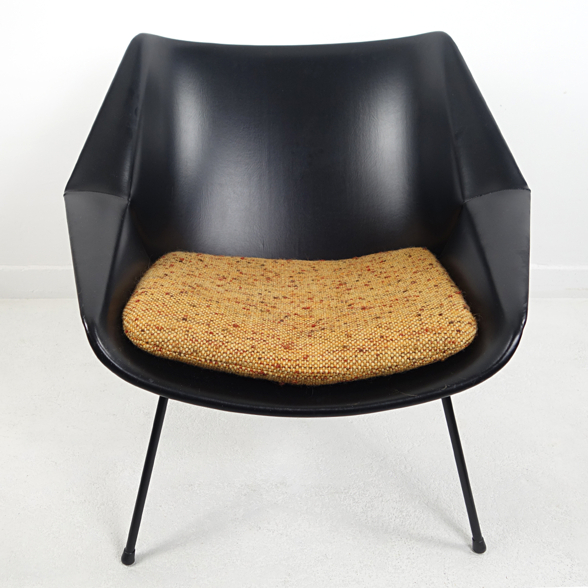 Picture of: Mid Century Modern Chair Fm08 With Loose Cushions By Cees Braakman For Pastoe Doctor Decorum